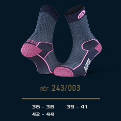 Hiking_socks_Double_polyamide_EVO_mid-cut_blue-pink